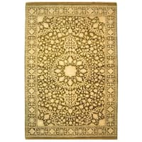 Safavieh Hand-knotted Ganges River Ivory/ Green Wool Rug (8' x 10')