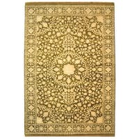 Safavieh Hand-knotted Ganges River Ivory/ Green Wool Rug - 5' x 7'