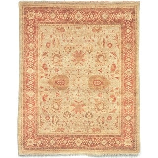 Safavieh Hand-knotted Peshawar Vegetable Dye Gold/ Light Rose Wool Rug (6' x 9')