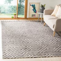 Safavieh Hand-knotted Santa Fe Geometric Charcoal/ Silver Wool Rug - 8' x 10'