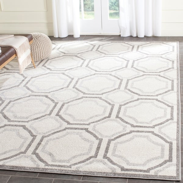 Safavieh Amherst Ivory/ Light Grey Rug - 9' x 12'