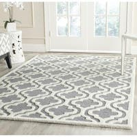 Safavieh Handmade Moroccan Cambridge Silver/ Ivory Wool Rug - 4' Square