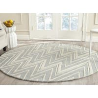 Safavieh Handmade Moroccan Cambridge Grey/ Ivory Wool Rug - 4' Round