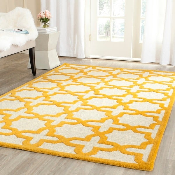Safavieh Handmade Moroccan Cambridge Ivory/ Gold Wool Rug (9' x 12')