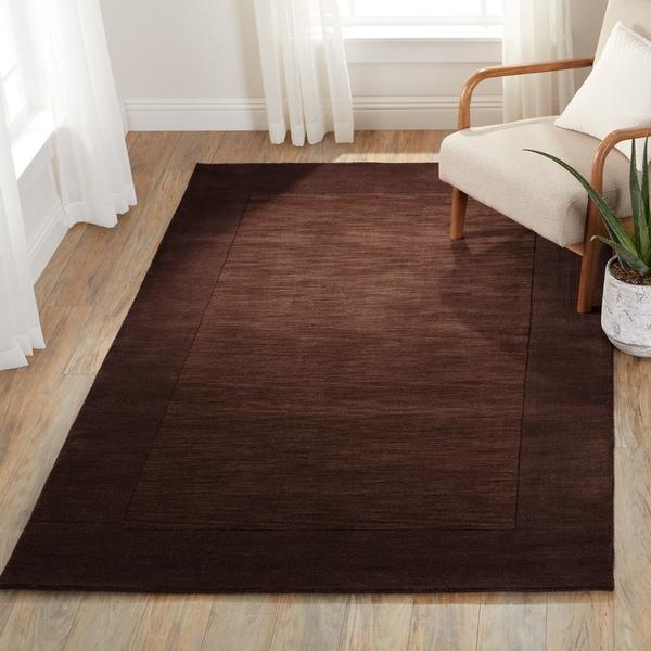 Hand Loomed Ghana Solid Bordered Tone-On-Tone Wool Area Rug (5' x 8') - 5' x 8'
