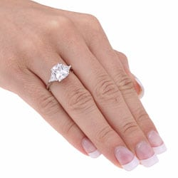 Icz Stonez Sterling Silver Radiant-cut CZ Ring - Thumbnail 2