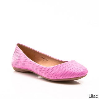 Gomax Women's 'Sienna 22Y' Patent Leather Perforated Ballet Flats