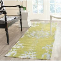Safavieh Hand-knotted Stone Wash Chartreuse Wool/ Cotton Rug - 2'6 x 12'
