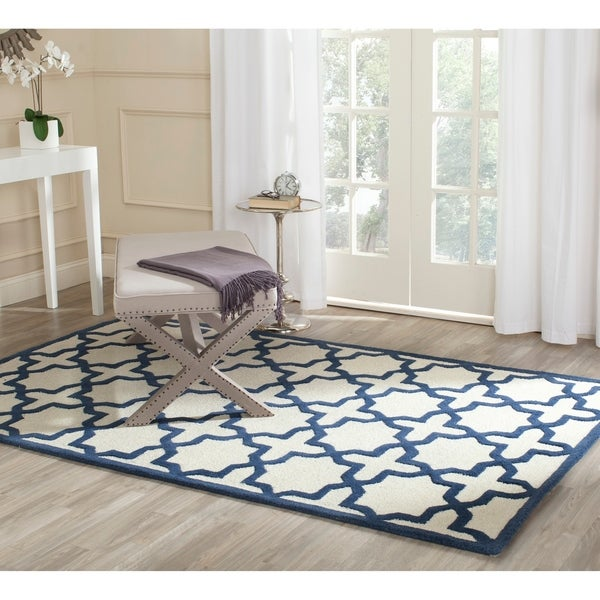 Safavieh Handmade Moroccan Cambridge Ivory/ Navy Wool Rug - 8' x 10'