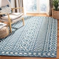 Safavieh Hand-woven Moroccan Reversible Dhurries Dark Blue/ Ivory Wool Rug - 5' x 8'