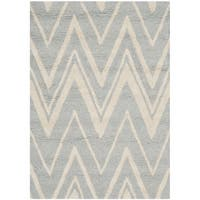 Safavieh Handmade Moroccan Cambridge Grey/ Ivory Wool Rug - 2' x 3'