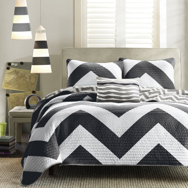 Mi Zone Virgo Black Chevron Reversible Black Quilt Set