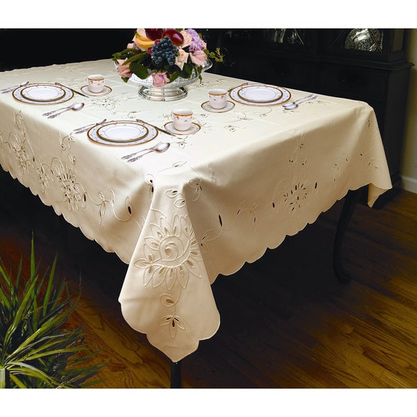 Beautiful Elegant Petal Design Tablecloth (White Or Ivory) (3 Rectangular And 1 Round  Sizes