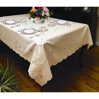 Elegant Petal Design Tablecloth (White or Ivory) (3 Rectangular and 1 Round Sizes)