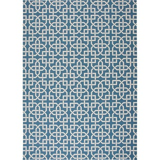 Nourison Navy and Ivory Geometric Indoor/Outdoor Area Rug (5'3 x 7'5)