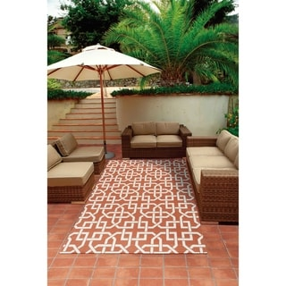 Nourison Rust and Ivory Geometric Indoor/Outdoor Area Rug (5'3 x 7'5)
