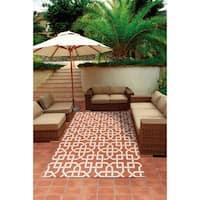 Nourison Rust and Ivory Geometric Indoor/Outdoor Area Rug - 5'3 x 7'5