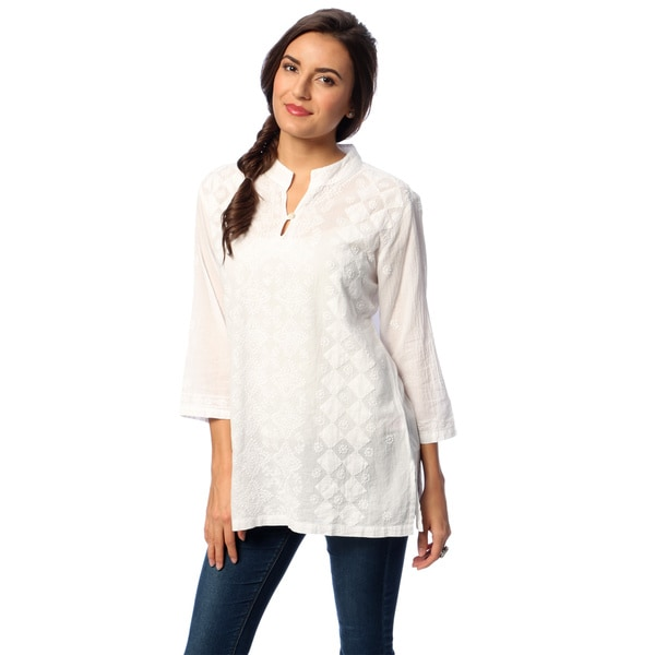 La Cera Women's White Hand-appliqued Tunic