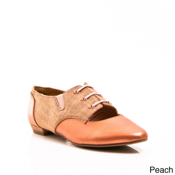 Gomax Women's 'Weezer 07' Two-tone Pointed Toe Oxford Shoes