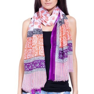 Handmade Women's Boho Spring Into Love Fringe Scarf (India)
