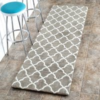nuLOOM Machine-made Kitchen Microfiber Trellis Microfiber Runner Rug (2' 6 x 10') - 2'6 x 10'