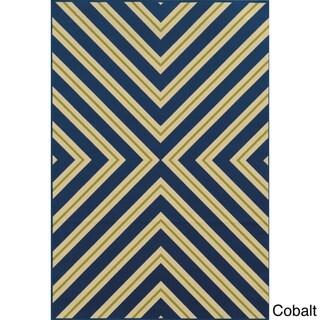 Indoor/ Outdoor Geometric Rug (5'3 x 7'6)