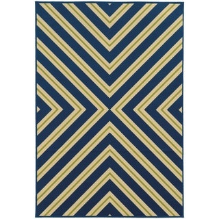 Indoor/ Outdoor Geometric Rug (5'3 x 7'6)