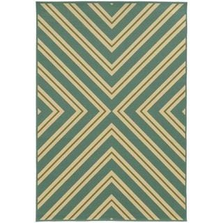 Indoor/ Outdoor Geometric Rug (8'6 x 13')