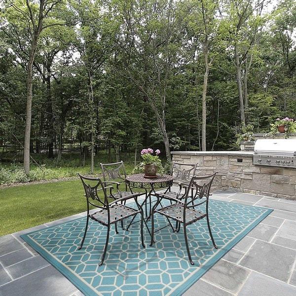 StyleHaven Indoor/ Outdoor Geometric Tile Rug - 8'6 x 13'