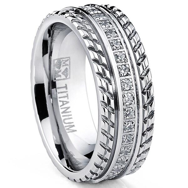 Oliveti Men's Grooved Titanium Cubic Zirconia Comfort-fit Ring