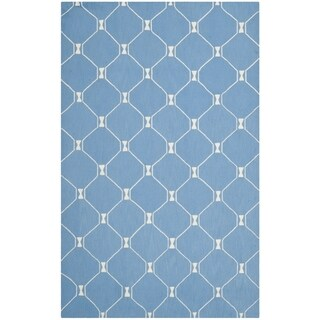 Isaac Mizrahi by Safavieh Handmade Island Lattice Blue Wool Rug (4' x 6')