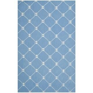 Isaac Mizrahi by Safavieh Handmade Island Lattice Blue Wool Rug (5' x 8')