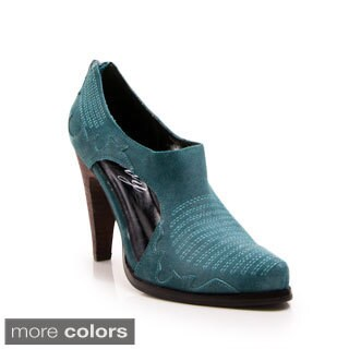 Women's Bees Knees Western Inspired Cut-Out Pointed-Toe Leather Pumps
