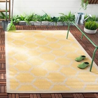 Safavieh Courtyard Moroccan Yellow/ Beige Indoor/ Outdoor Rug - 5'3 x 7'7