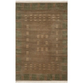 Safavieh Hand-knotted Nepalese Taupe/ Green Wool Rug - 6' x 9'