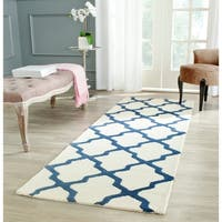 "Safavieh Handmade Moroccan Cambridge Ivory/ Navy Wool Rug - 2'6"" x 8'"