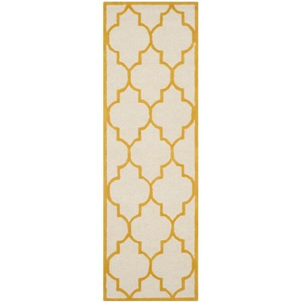 Safavieh Handmade Moroccan Cambridge Ivory/ Gold Wool Rug (2'6 x 10')