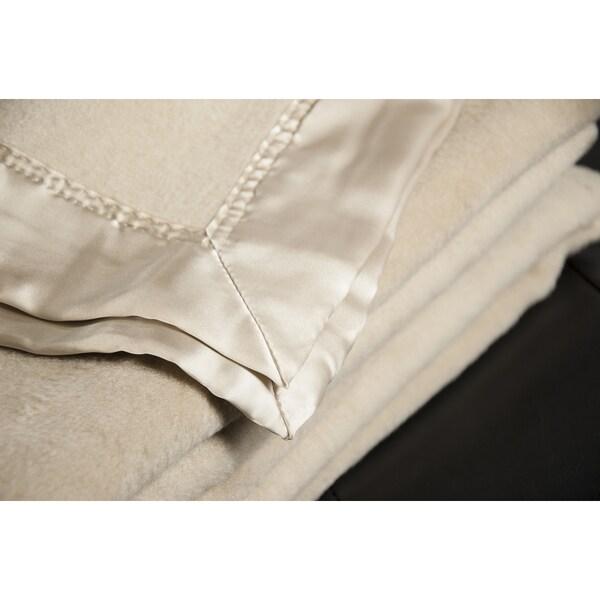 Aus Vio Mulberry Silk Throw Blanket