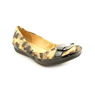 Naturalizer Women's 'Voylan' Basic Textile Dress Shoes - Narrow (Size 11 )