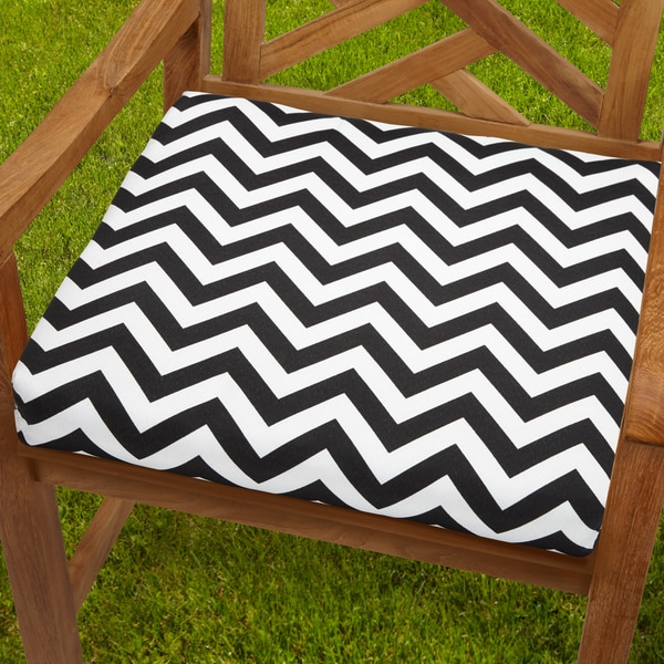 Bristol 20-inch Indoor/ Outdoor Black/ White Chevron Chair Cushion
