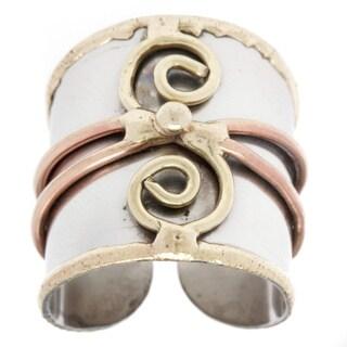 Handmade Mixed Metal Tri-tone Double Spiral Fashion Ring (India)