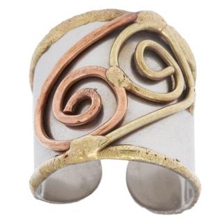 Handmade Mixed Metal Tri-tone Double Swirl Fashion Ring (India)