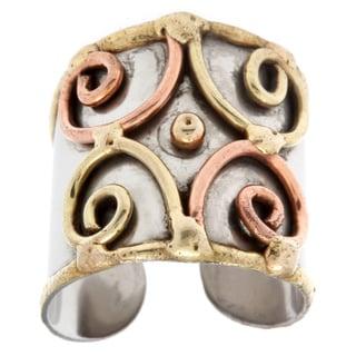 Handmade Mixed Metal Tri-tone Multi-swirl Fashion Ring (India)