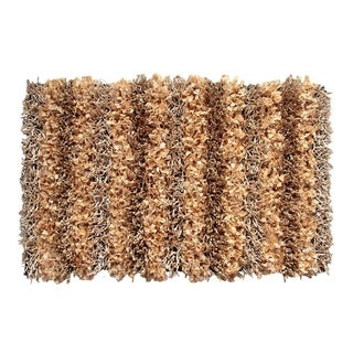 Hand-woven Sea Breeze Gold Area Rug (1'9 x 2'10)