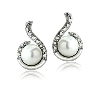Glitzy Rocks Sterling Silver Freshwater Pearl Diamond Accent Swirl Earrings (6-7 mm)