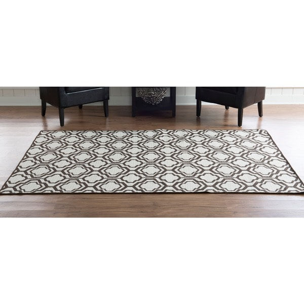 Linon Foundation Collection Brown Monocco Reversible Rug (5' x 8') - 5' x 8'