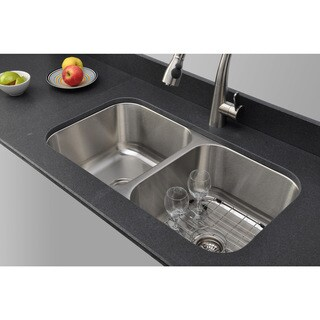 Wells Sinkware Craftsmen Series 33-inch 16-gauge Undermount 50-50 Double Bowl Stainless Steel Kitchen Sink Package