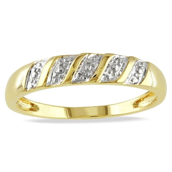 Shop Miadora 10k Yellow Gold Men's Wedding Band Ring