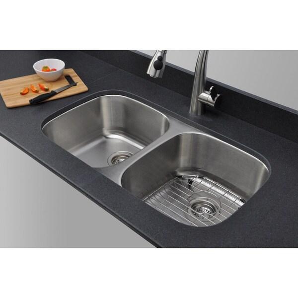Wells Sinkware Craftsmen Series 33-inch 18-gauge Undermount 50-50 Double Bowl Stainless Steel Kitchen Sink Package