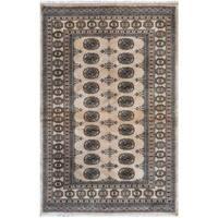 Handmade Herat Oriental Pakistani Bokhara Wool Rug (Pakistan) - 4'2 x 6'
